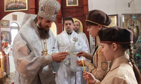 До Кропивницького передали вогонь миру з Вифлеєму. ФОТО