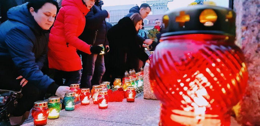 У Кропивницькому запалали лампадки і помолились про полеглих Героїв Майдану - Фоторепортаж 4
