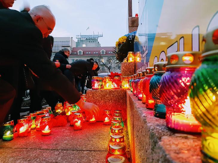 У Кропивницькому запалали лампадки і помолились про полеглих Героїв Майдану - Фоторепортаж 3