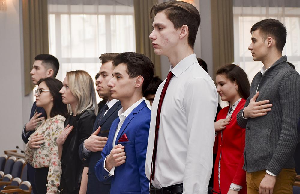 Без Купюр У Кропивницькому розпочалась сесія  Молодіжного парламенту другого скликання.  ФОТО Життя  молодіжний парламент Кіровоградщина