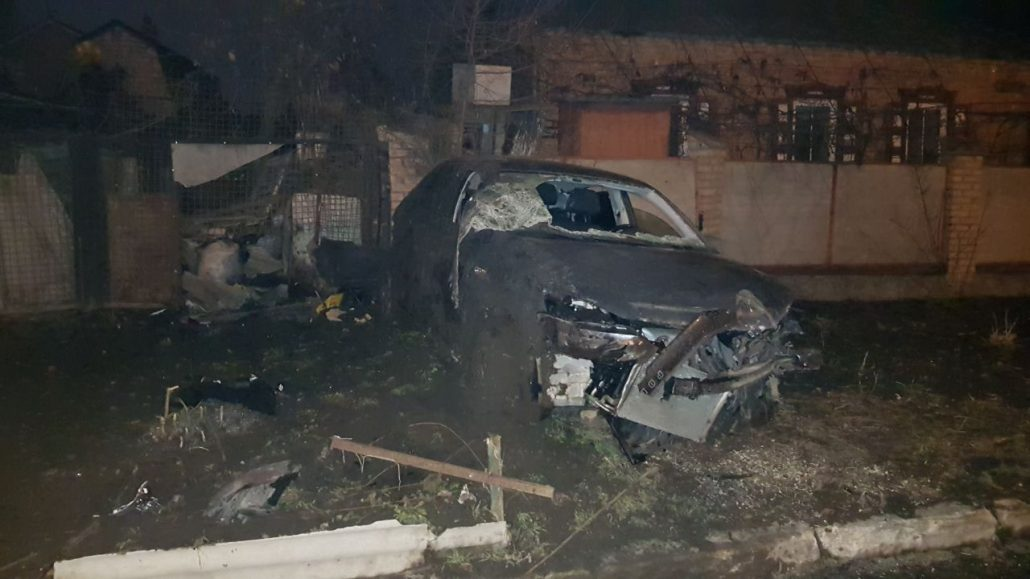 Без Купюр | За кермом | На Олексіївці сталося дві ДТП: постраждали авто й дерева. ФОТО 3
