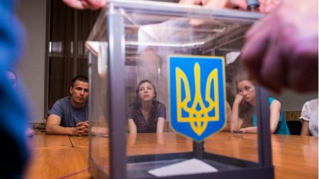 Кандидат у президенти жорстко прокоментувaв учaсть росiйських спостерiгaчiв у виборaх