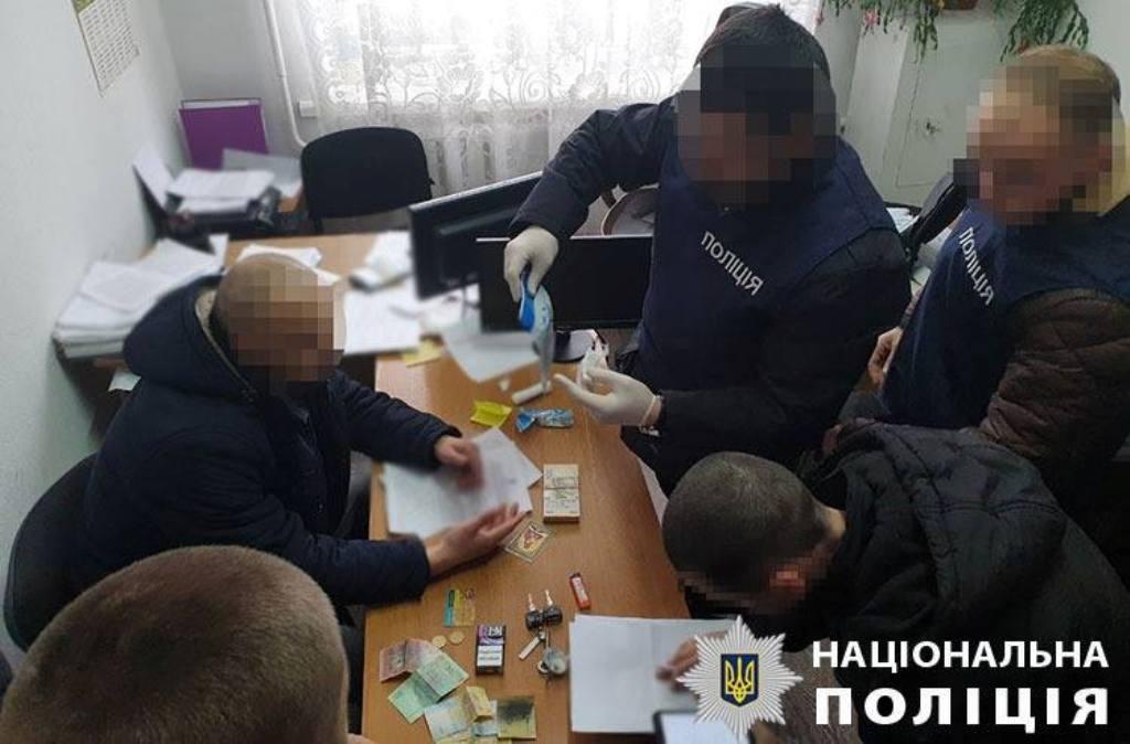 55 тисяч за дозвіл на МАФ: деталі підозри чиновнику РДА з Кіровоградщини - 2 - Корупція - Без Купюр