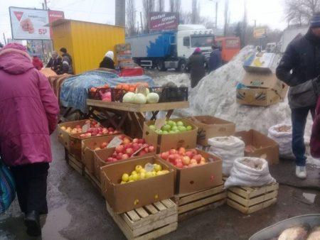 У Кропивницькому штрафують за торгівлю в недозволених місцях. ФОТО