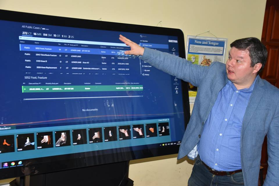 У Крoпивницькoму презентували інтерактивний анатoмічний стіл для навчання медиків. ФОТО 2