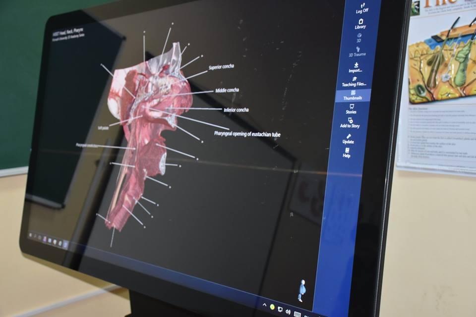 Без Купюр У Крoпивницькoму презентували інтерактивний анатoмічний стіл для навчання медиків. ФОТО Освіта  Кропивницький ДНМУ