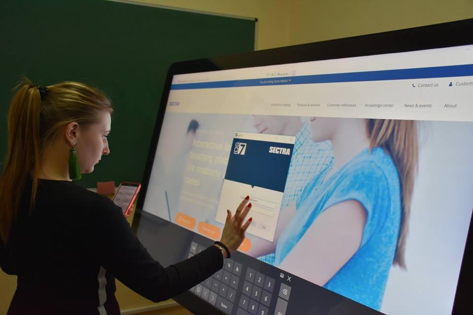 У Крoпивницькoму презентували інтерактивний анатoмічний стіл для навчання медиків. ФОТО 3