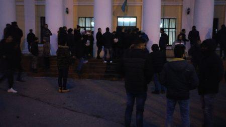 Студенти-медики знову збиралися під стінами університету. ФОТО