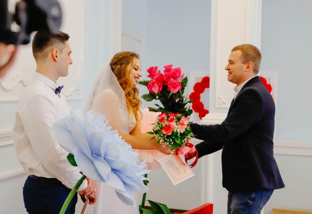 На Кіровоградщині у День Закоханих одружились 69 пар - 2 - Життя - Без Купюр