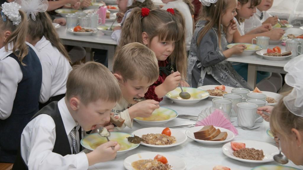 З понеділка школярів Кропивницького харчуватимуть по-новому