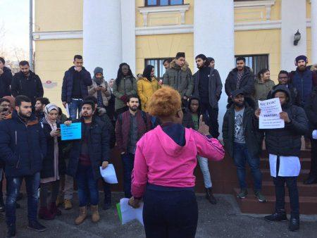 У Кропивницькому скандал навколо грошей студентів-іноземців ДНМУ вибухнув з новою силою. ФОТО