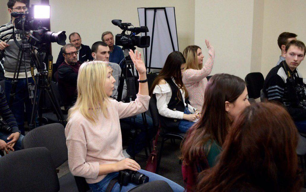 Анатолій Гриценко у Кропивницькому розповів, як забезпечити зарплати від 700 євро. ФОТО - 3 - Політична агітація - Без Купюр