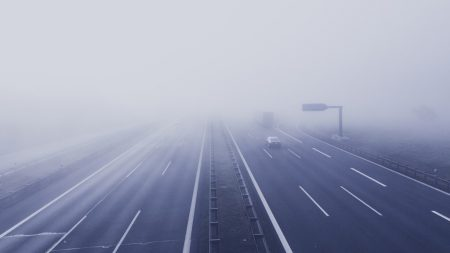 Синоптики попереджають про погану видимість на дорогах