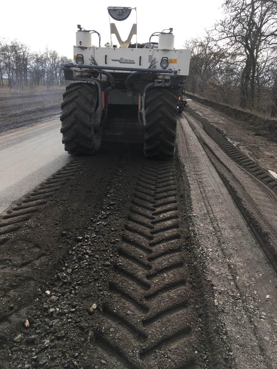 На Кіровоградщині відновили ремонт дороги у Миколаївському напрямку - 1 - Життя - Без Купюр