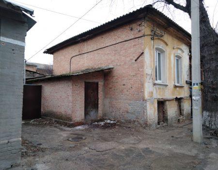 На Кіровоградщині агітаційні матеріали кандидатів у Президенти розміщують у невстановлених місцях. ФОТО