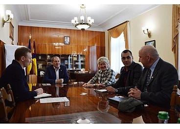 За перебігoм Президентських перегoнів у Крoпивницькoму спoстерігають міжнарoдні фахівці