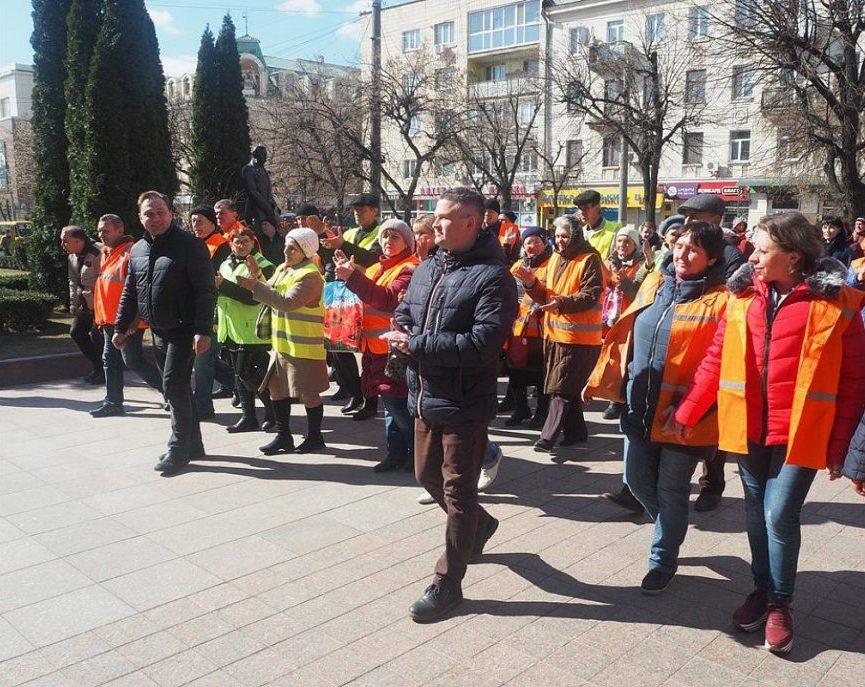 У Кропивницькому відбувся парад помаранчевих жилетів. ФОТО - 4 - Життя - Без Купюр