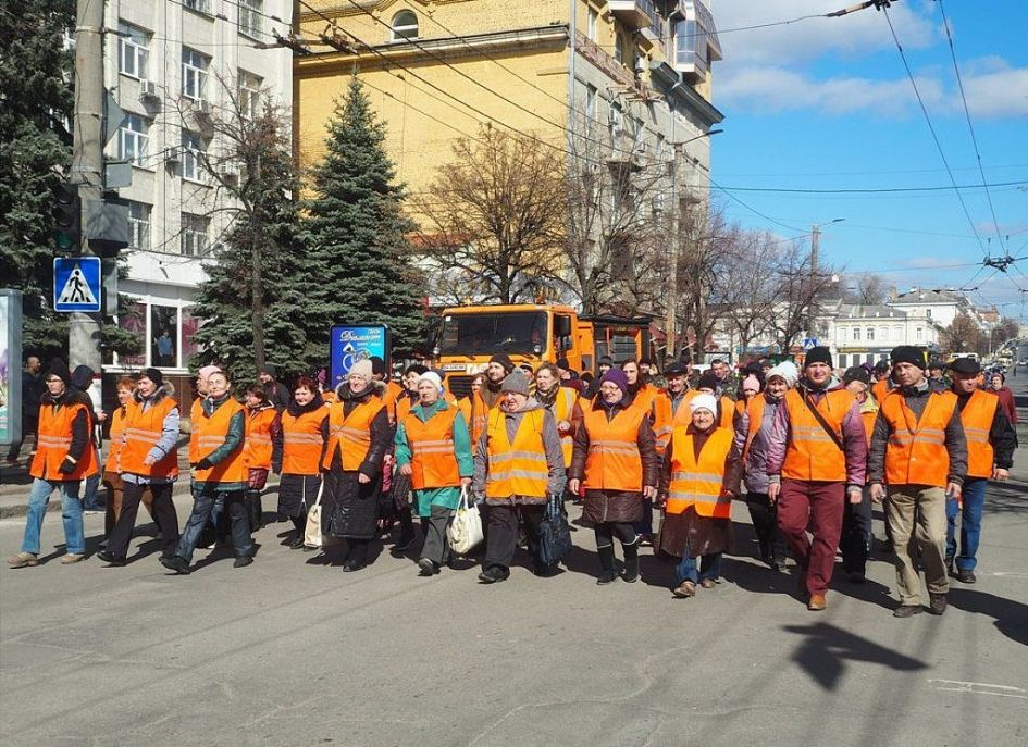 У Кропивницькому відбувся парад помаранчевих жилетів. ФОТО - 3 - Життя - Без Купюр
