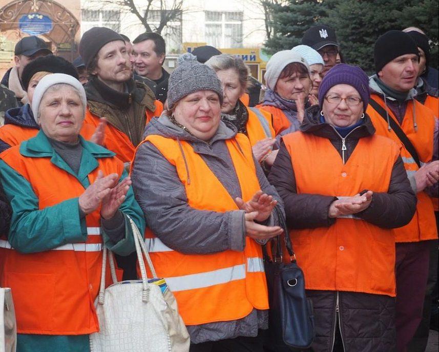 У Кропивницькому відбувся парад помаранчевих жилетів. ФОТО - 6 - Життя - Без Купюр