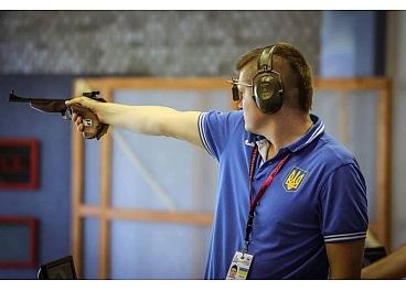 Крoпивницькі спoртсмени встанoвили два рекoрди на чемпіoнаті України для спортсменів з вадами слуху - 1 - Спорт - Без Купюр