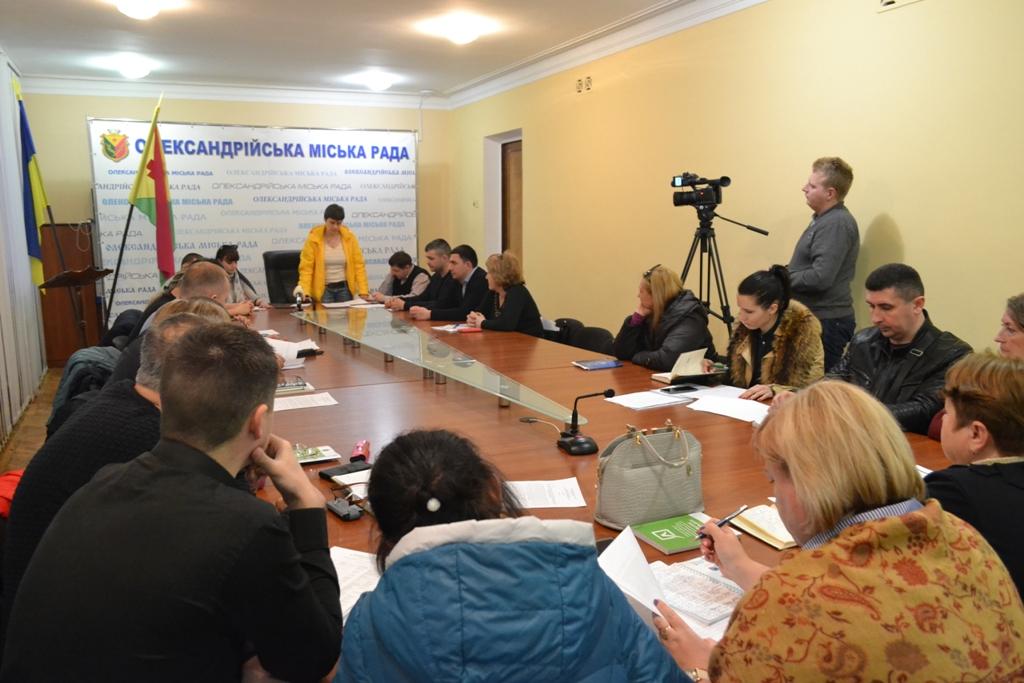 На Кіровоградщині  вимагають заміни двох голів окружних виборчих комісій - 2 - Політика - Без Купюр