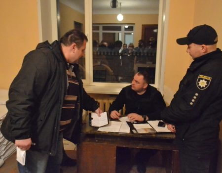 На Кіровоградщині  вимагають заміни двох голів окружних виборчих комісій