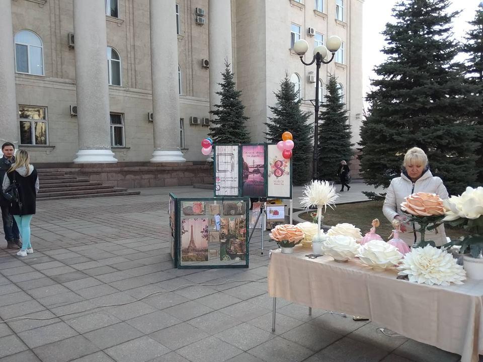 Без Купюр | Життя | Напередодні Міжнародного жіночого дня у Кропивницькому влаштували святковий ярмарок. ФОТО 5