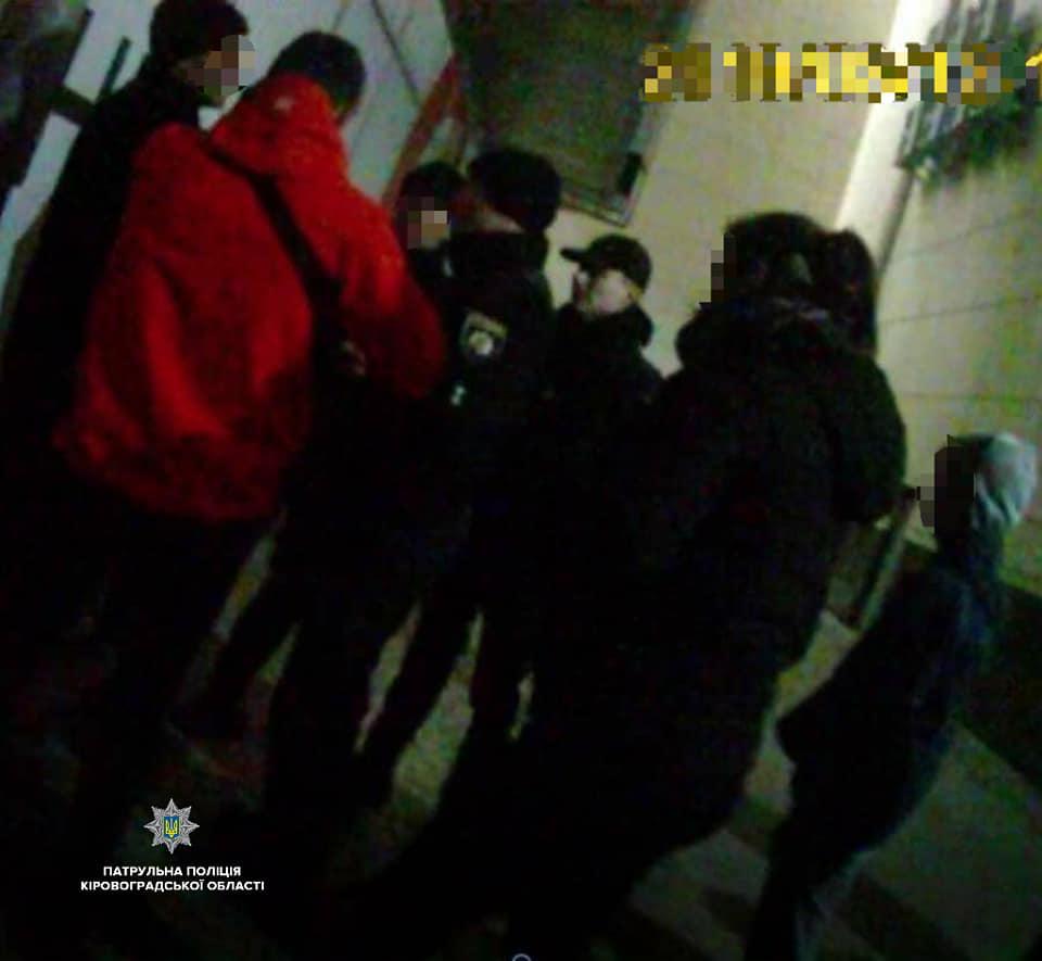 Без Купюр   Життя   У Кропивницькому патрульні відреагували на скарги про поведінку підлітків у місті 2