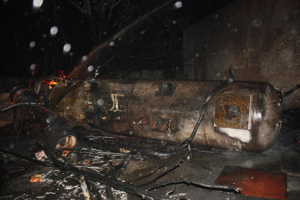 Без Купюр Попередні причини пожежі у Кропивницькому та кількість постраждалих. ФОТО, ВІДЕО Події  пожежа Кропивницький газова заправка