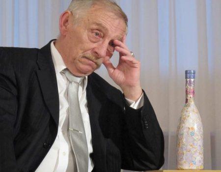 Ляшко на Кіровоградщині агітував студентів стипендією в 3 тисячі гривень та напував корову. ФОТО