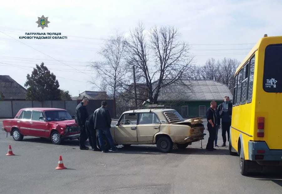 Кропивницький: з вини п'яного водія постраждали три автівки. ФОТО Фото 1 - За кермом - Без Купюр - Кропивницький