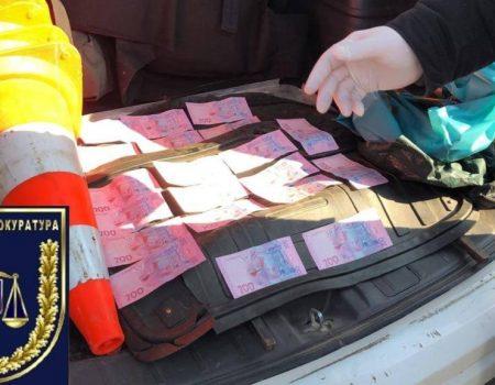 Суд обрав запобіжний захід поліцейському з Кіровоградщини, якого підозрюють в отриманні хабара