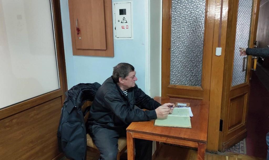 Без Купюр В земельному управлінні міськради Кропивницького ввели пропускний режим. ФОТО Події  Кропивницький земельне управління