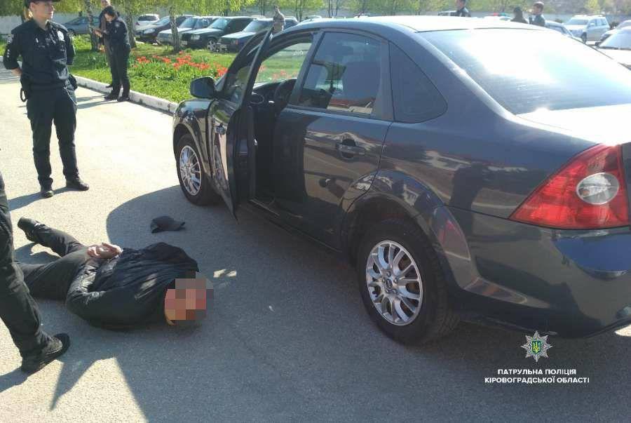 """Поліцейські затримали активістів """"КДК"""", які провокували патрульних. ФОТО - 3 - Кримінал - Без Купюр"""