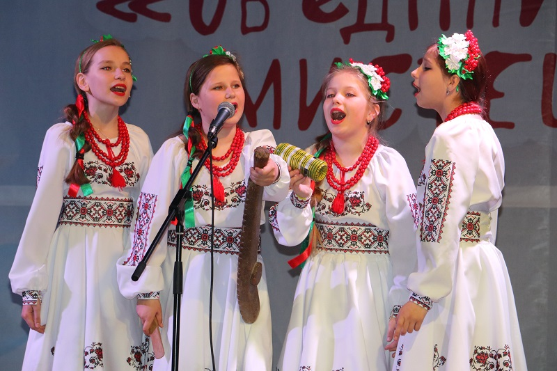 У Кропивницькому стартувала конкурсна частина Міжнародного фестивалю «Об'єднаймо дітей мистецтвом». ФОТО - 19 - Культура - Без Купюр