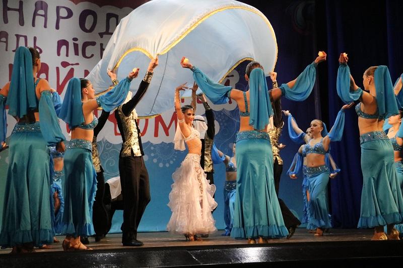У Кропивницькому стартувала конкурсна частина Міжнародного фестивалю «Об'єднаймо дітей мистецтвом». ФОТО - 4 - Культура - Без Купюр