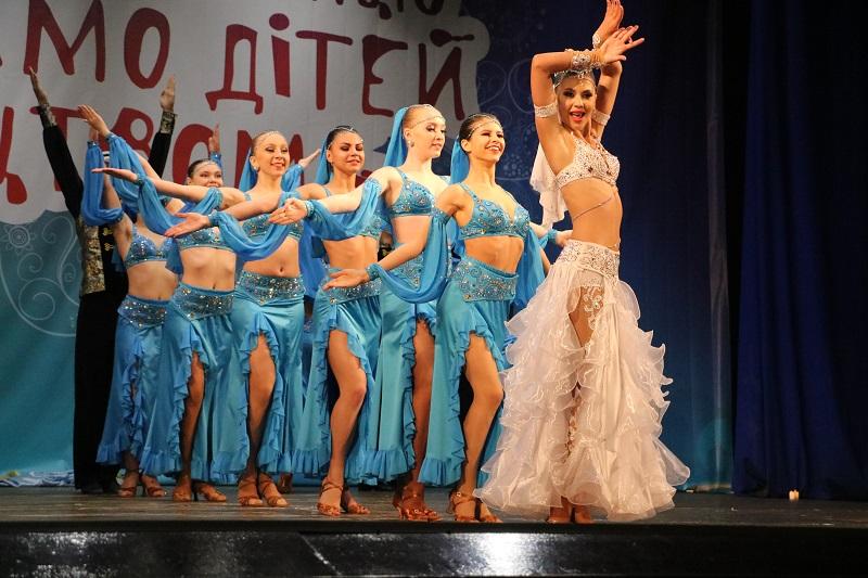 У Кропивницькому стартувала конкурсна частина Міжнародного фестивалю «Об'єднаймо дітей мистецтвом». ФОТО - 3 - Культура - Без Купюр