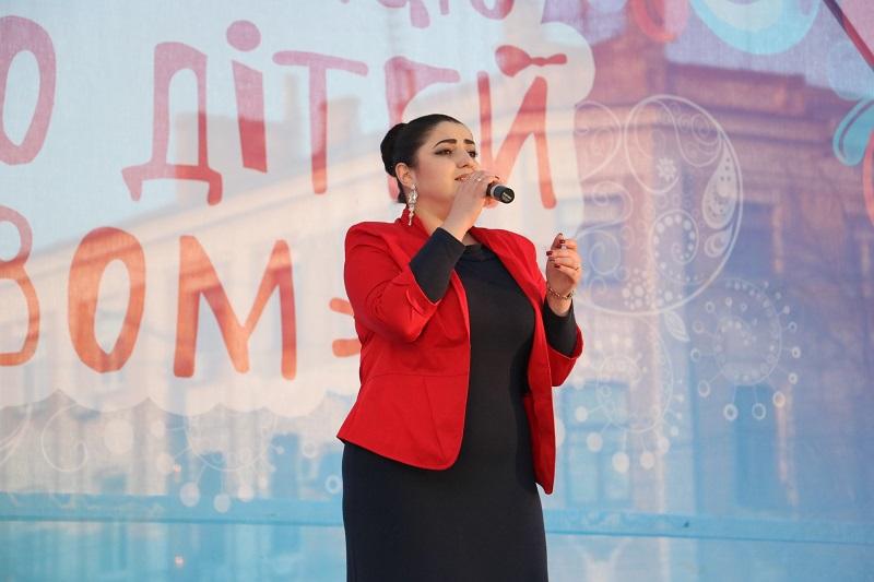 Святковим концертом у Кропивницькому відкрили Міжнародний фестиваль пісні й танцю. ФОТО - 7 - Події - Без Купюр