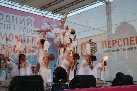 Святковим концертом у Кропивницькому відкрили Міжнародний фестиваль пісні й танцю. ФОТО