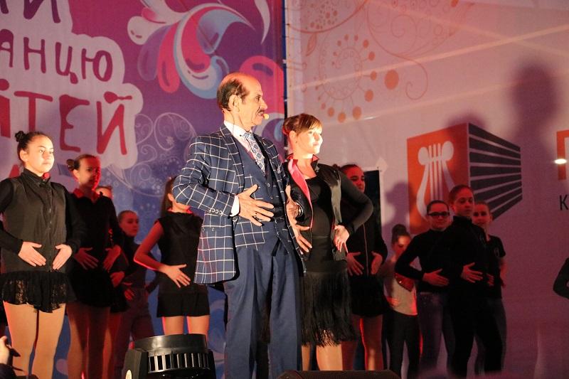 Святковим концертом у Кропивницькому відкрили Міжнародний фестиваль пісні й танцю. ФОТО - 11 - Події - Без Купюр
