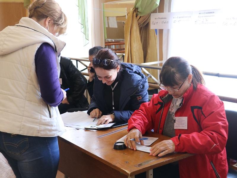 Вибори Президента: як голосують у Кропивницькому. ФОТО Фото 1 - Політика - Без Купюр - Кропивницький