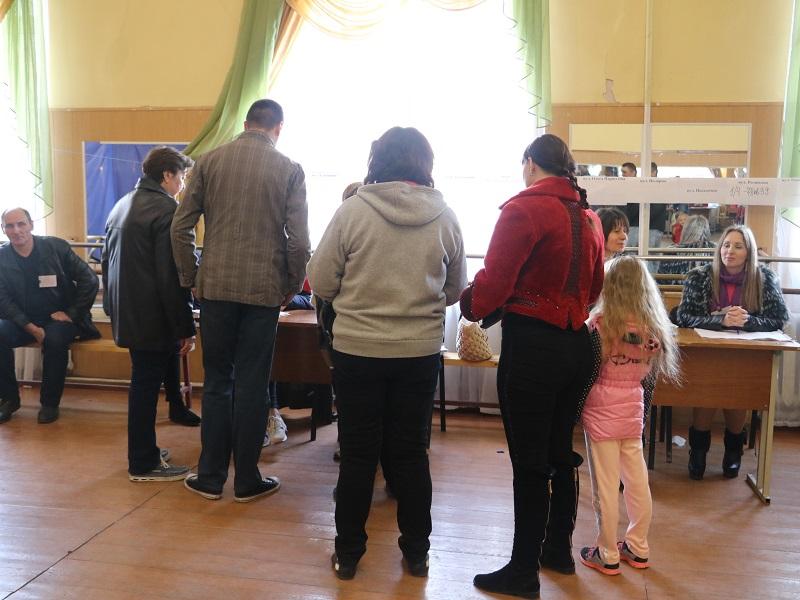 Вибори Президента: як голосують у Кропивницькому. ФОТО Фото 4 - Політика - Без Купюр - Кропивницький