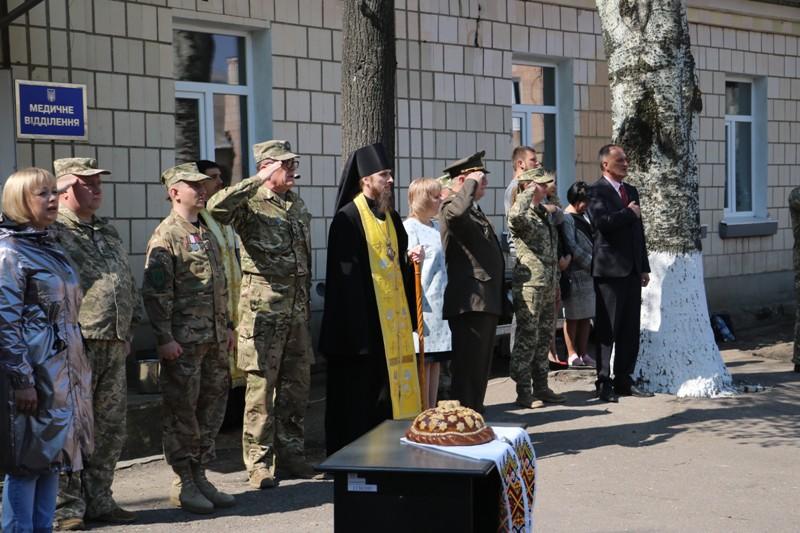"""""""Ви маєте змінювати філософію армії"""": як у Кропивницькому відправляли строковиків на службу. ФОТО - 2 - Події - Без Купюр"""