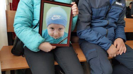 У справі ДТП, в якій загинув 4-річний син АТОвця, допитали свідків