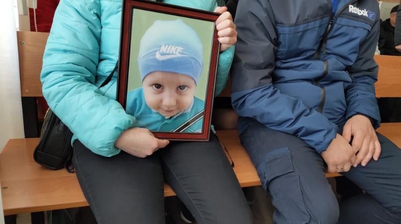 У справі ДТП, в якій загинув 4-річний син АТОвця, допитали свідків - 1 - Життя - Без Купюр