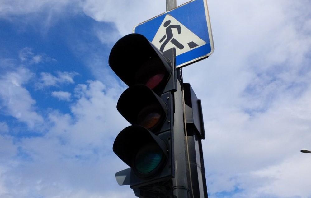 Без Купюр Завтра у Кропивницькому на двох перехрестях не працюватимуть світлофори За кермом  світлофори новини Кропивницький