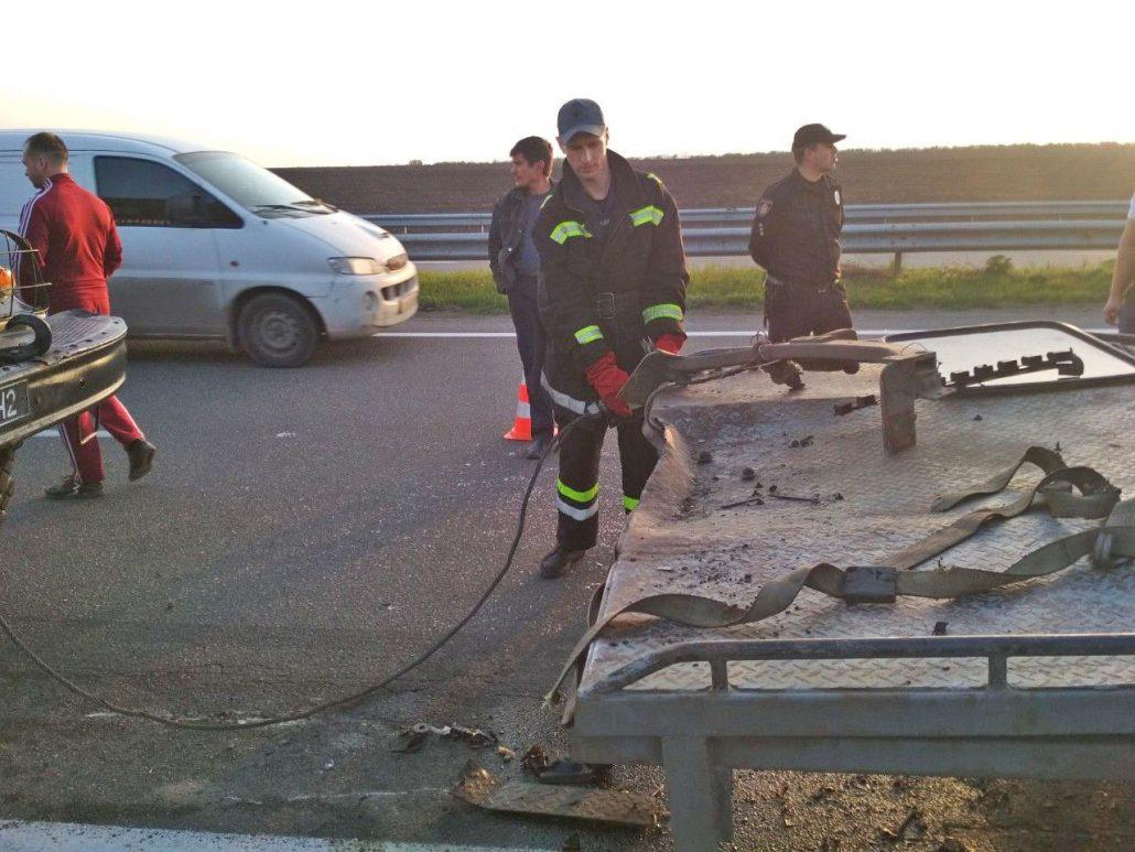 На Кіровоградщині в дорожньо-транспортній пригоді загинув водій. ФОТО - 2 - Події - Без Купюр