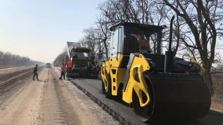 Дорожники відзвітували про ремонт траси поблизу Компаніївки. ФОТО