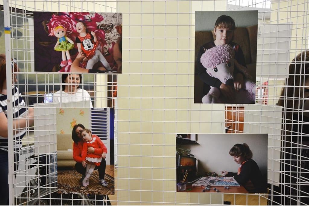 Кропивницькі журналістки провели благодійну акцію на підтримку важкохворих дітей. ФОТО - 2 - Життя - Без Купюр