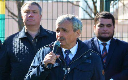 Міський голова Олександрії спростував інформацію про закриття шкіл і порадив опонентам не спати ночами